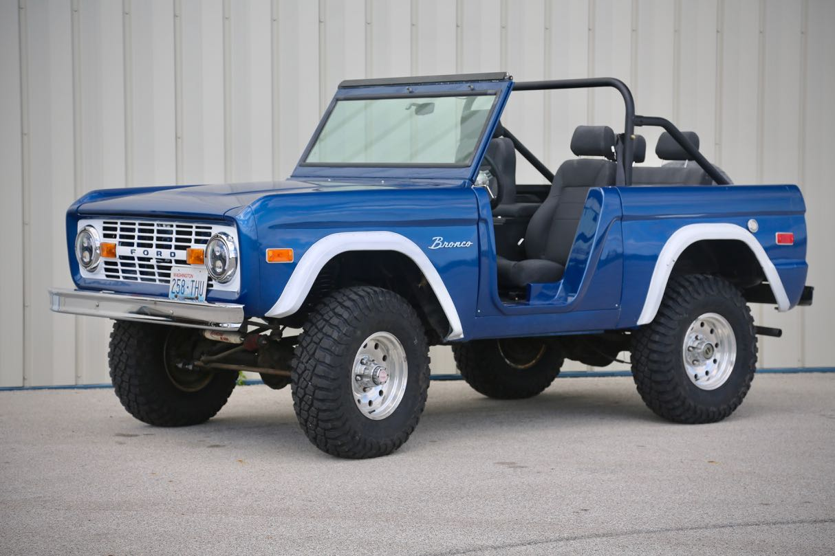 Ford Skunk River Restorations 1970 Bronco Lifted Yy1a7537
